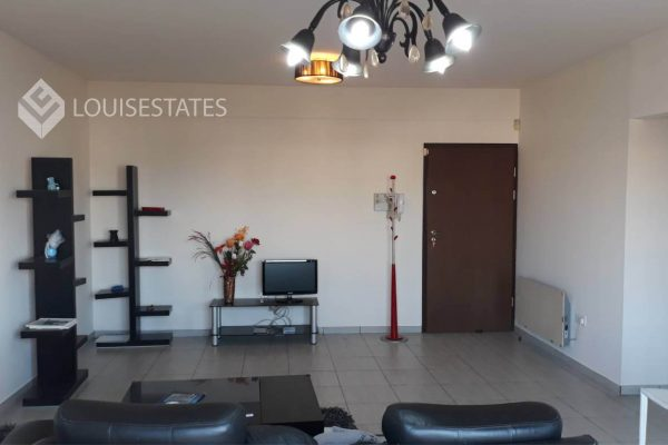 2 Bedroom Flat for Rent in Mesa Geitonia