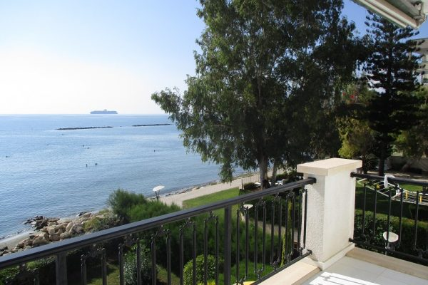 3 Bedroom Beachfront Apartment for rent in Limassol tourist area