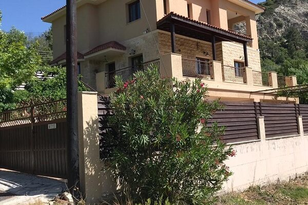 3+1 Bedroom House for Sale in Pera Pedi, Limassol