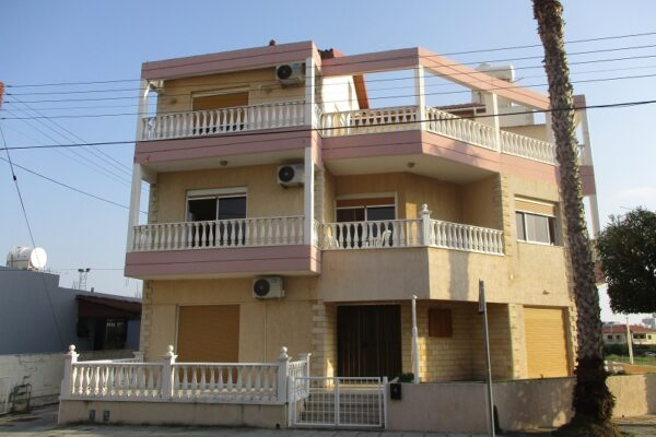 3 Level Detached House for Sale, Agios Ioannis, Limassol